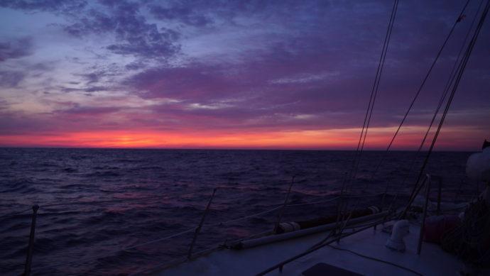 levé du soleil en mer